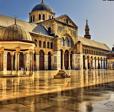 De Frankfurt e Cairo à Damasco: o Relógio da Mesquita dos Omíadas