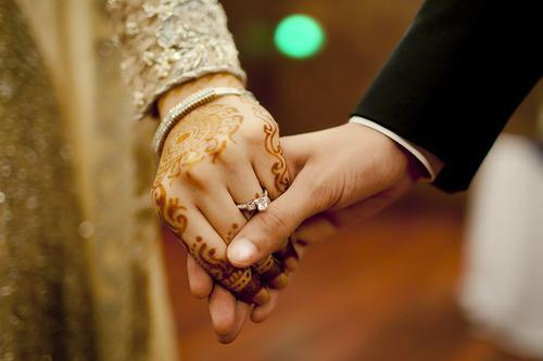 Regras Sobre como Propor Casamento a Alguém que já Está Noiva