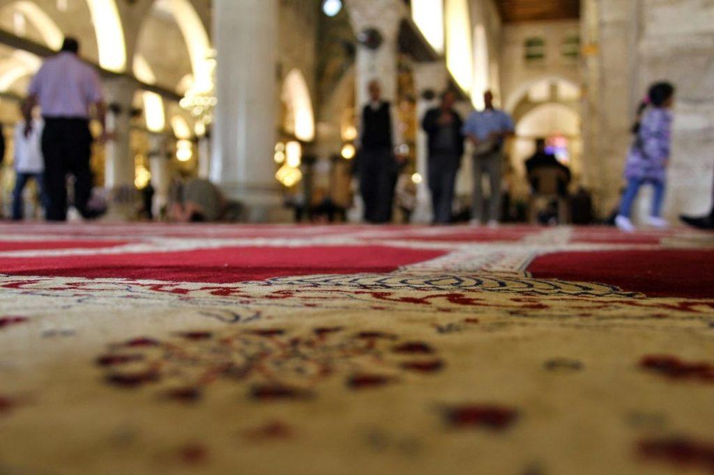 Abandonar a Oração causa Angústia e Ansiedade